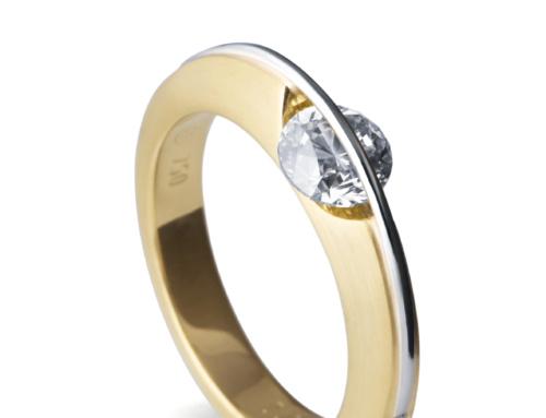 Ring mit beweglichen Diamant von Schaffrath